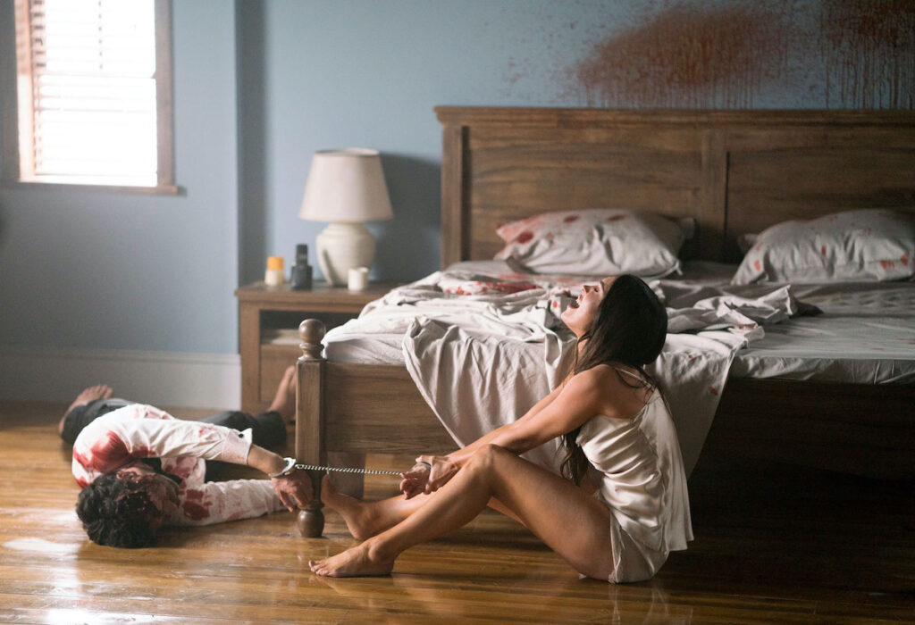 Acorrentada ao cadáver do marido, Megan Fox estrela primeiro trailer de Till Death